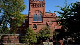 Image of Fisher Fine Arts Building on Penn's campus